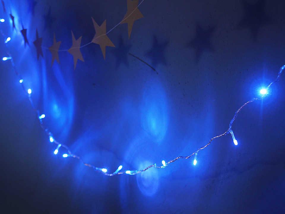 Свет: синий Количество: 80 лампочек Длина: 9 м
